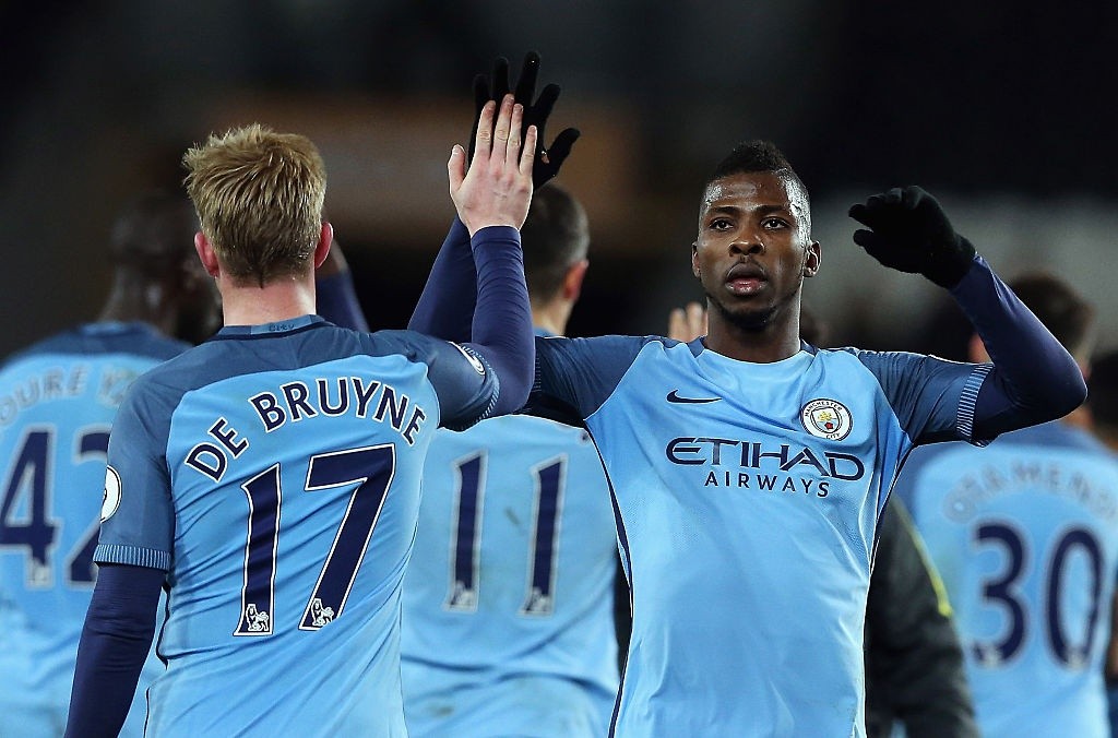 'Vua kien tao' Silva giup Man City bam duoi Chelsea hinh anh 10