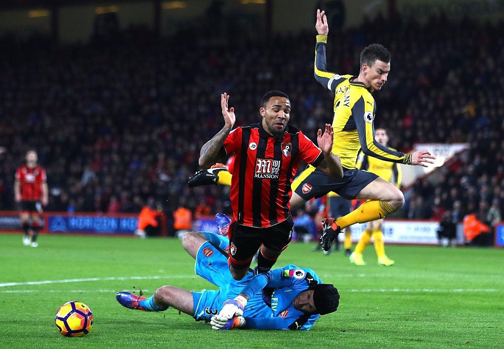 Bi dan 3 ban, Arsenal vat va hoa Bournemouth 3-3 hinh anh 2
