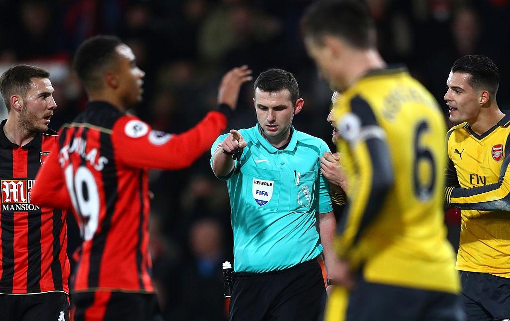 Bi dan 3 ban, Arsenal vat va hoa Bournemouth 3-3 hinh anh 4