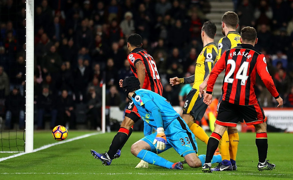Bi dan 3 ban, Arsenal vat va hoa Bournemouth 3-3 hinh anh 6