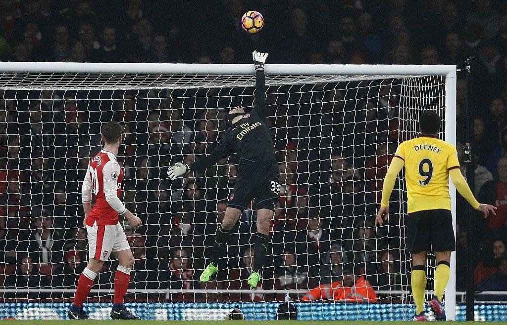 Arsenal thua 1-2 truoc Watford anh 2