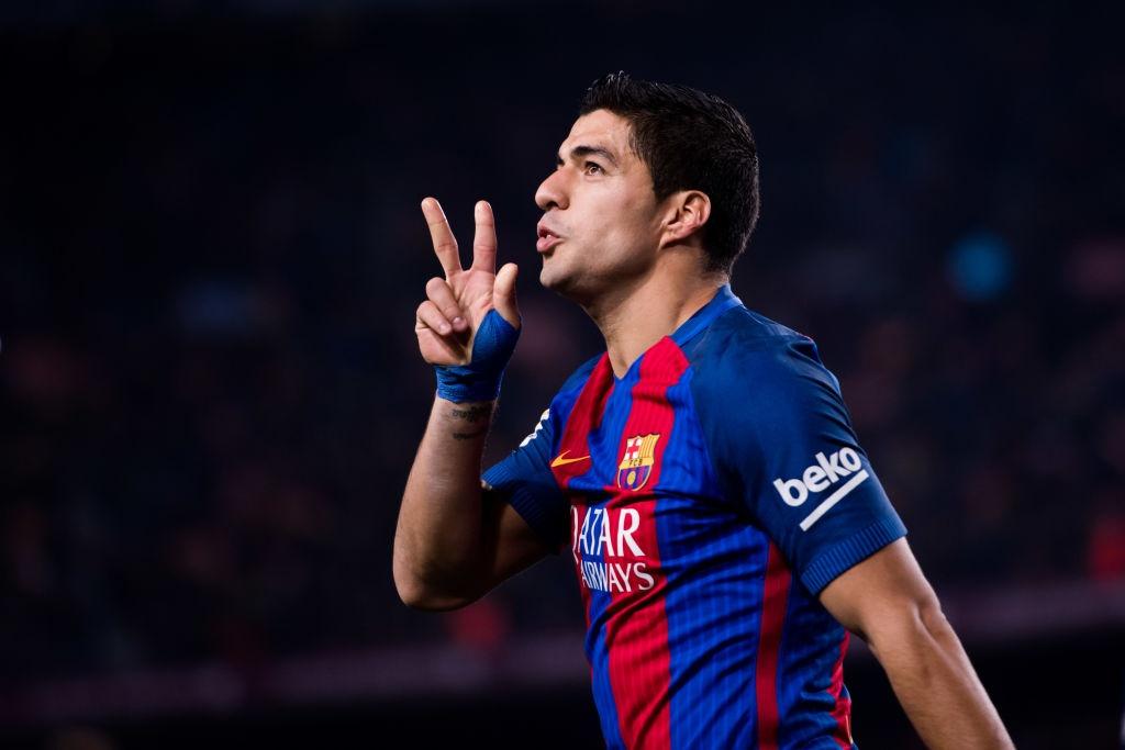 Nhung ky luc thach thuc Ronaldo va Messi truoc khi giai nghe hinh anh 3
