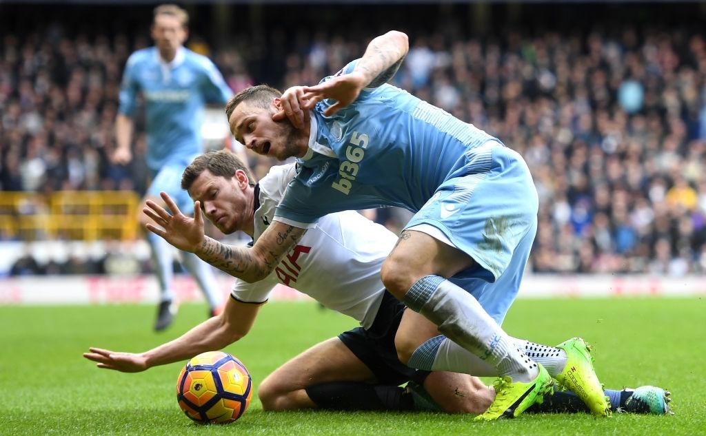 Kane giup Tottenham len vi tri thu 2 anh 9