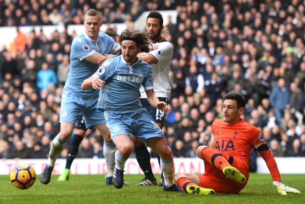 Harry Kane lap hat-trick dua Tottenham len vi tri thu 2 hinh anh 2