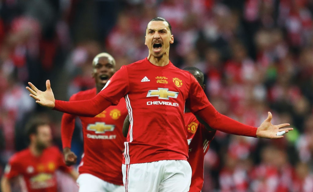 Ibrahimovic ghi cu dup, MU vo dich League Cup hinh anh 4