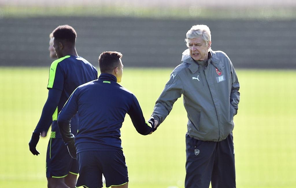 Sanchez bat tay cham dut mau thuan voi Wenger hinh anh 1