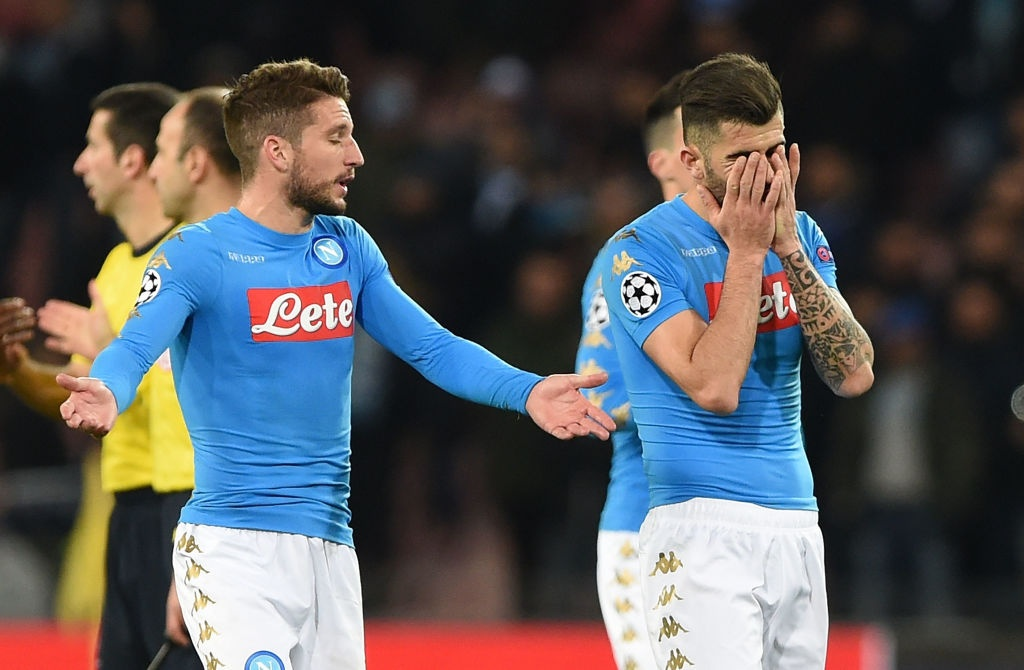 Ronaldo, Benzema va Bale im tieng, Real van thang Napoli hinh anh 6