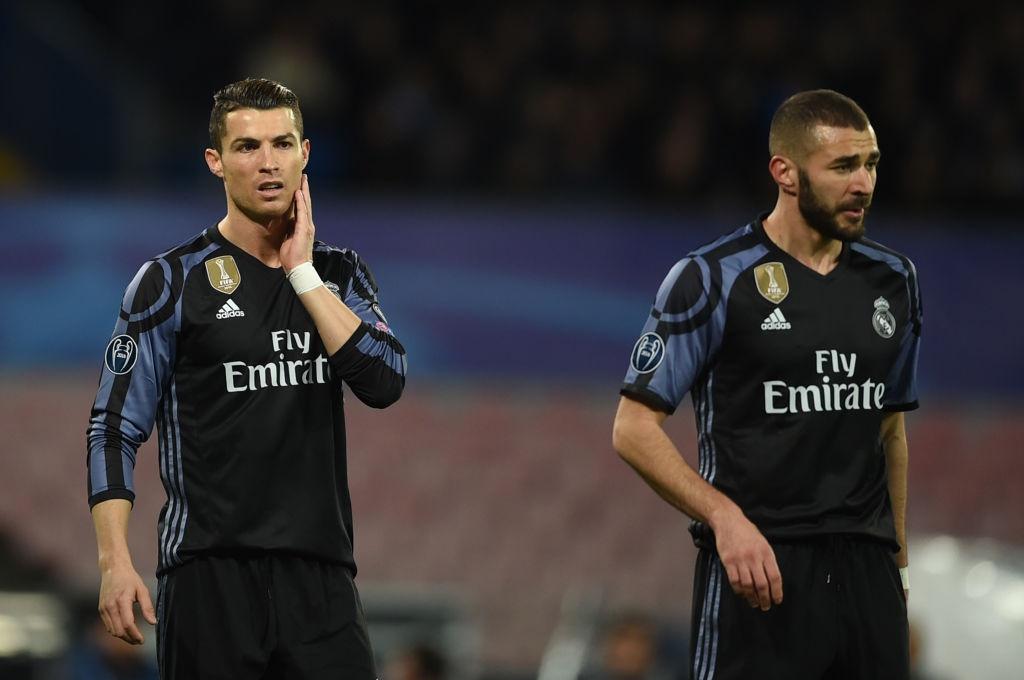 Ronaldo, Benzema va Bale im tieng, Real van thang Napoli hinh anh 4