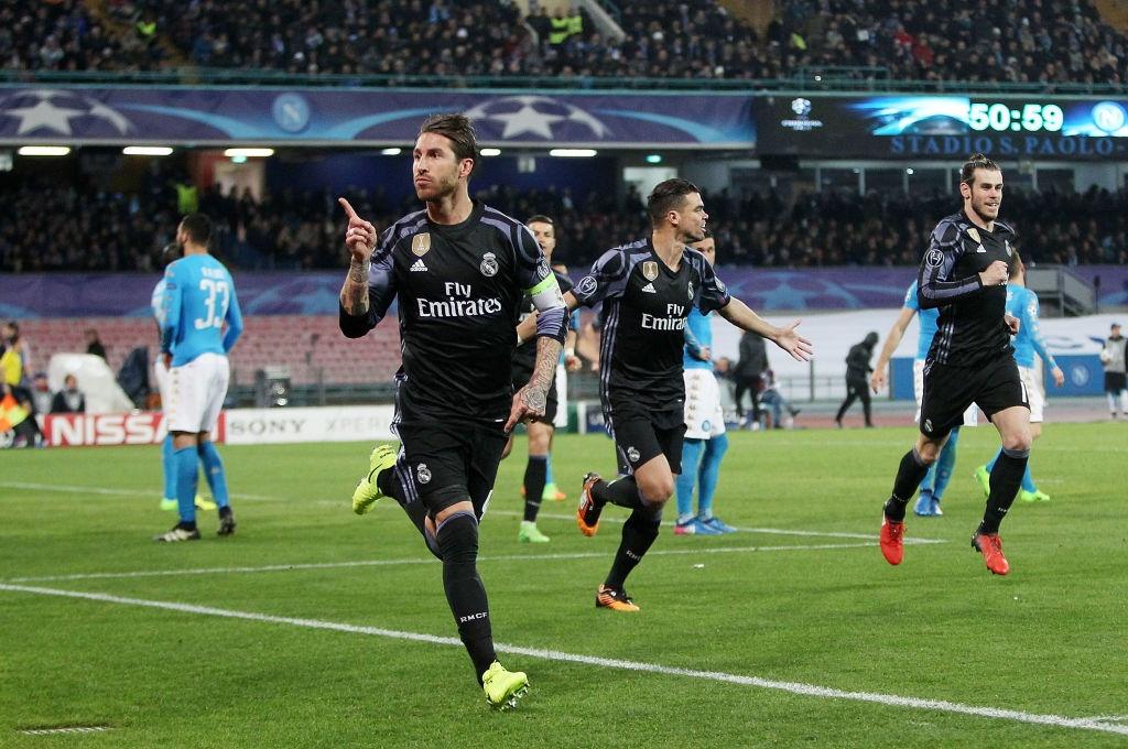 Ronaldo, Benzema va Bale im tieng, Real van thang Napoli hinh anh 5