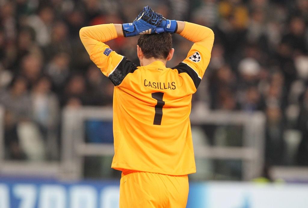 Buffon om an ui Casillas sau tran dau o Champions League hinh anh 5