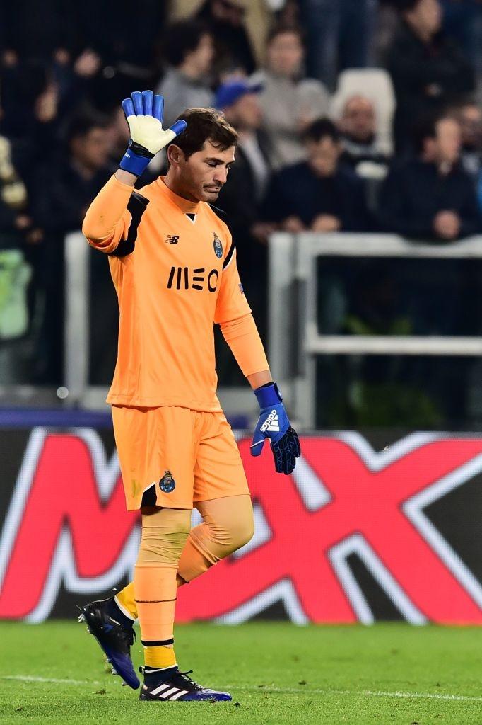 Buffon om an ui Casillas sau tran dau o Champions League hinh anh 4