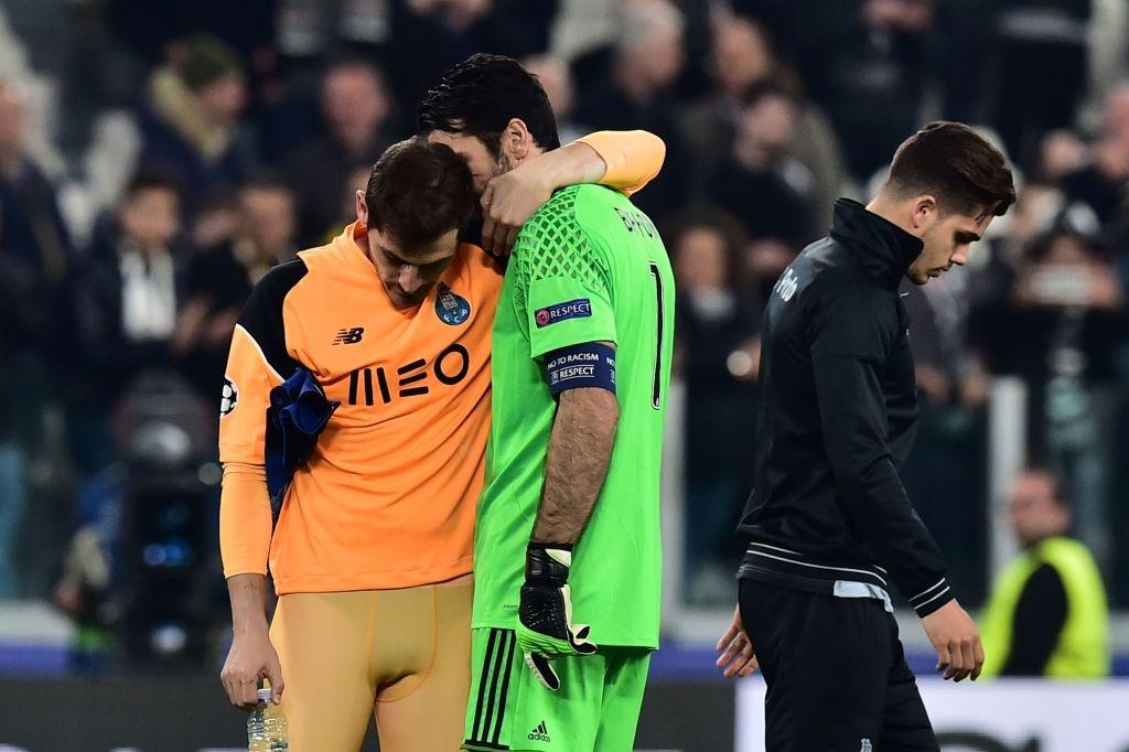 Buffon om an ui Casillas sau tran dau o Champions League hinh anh 3