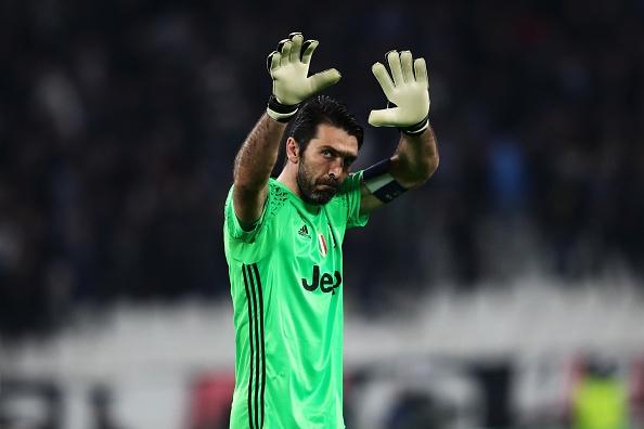 Buffon om an ui Casillas sau tran dau o Champions League hinh anh 6