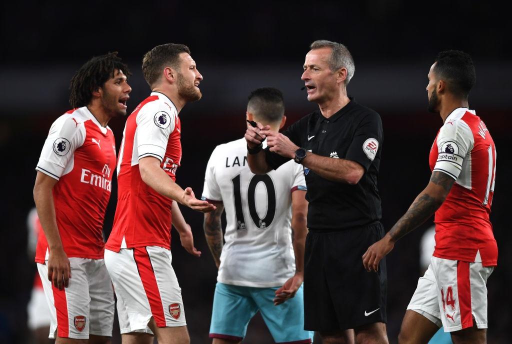 Arsenal thang West Ham 3-0, day MU xuong vi tri thu 6 hinh anh 3