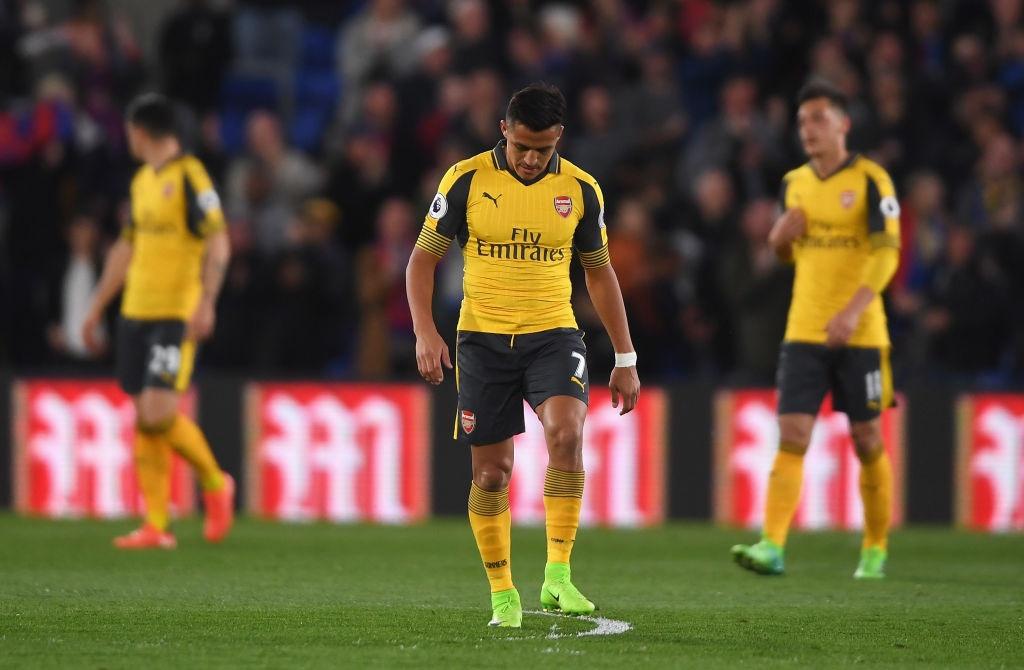 Arsenal thua Crystal Palace 0-3, hut hoi trong cuoc dua top 4 hinh anh 7
