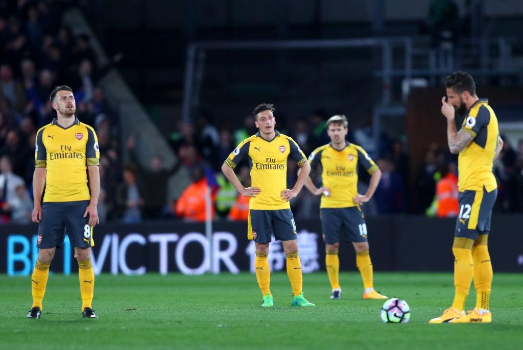 Arsenal thua Crystal Palace 0-3, hut hoi trong cuoc dua top 4 hinh anh 3
