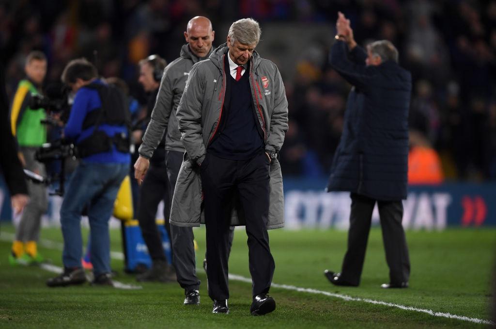 Co dong vien Arsenal tiep tuc keu goi Wenger ra di hinh anh 6