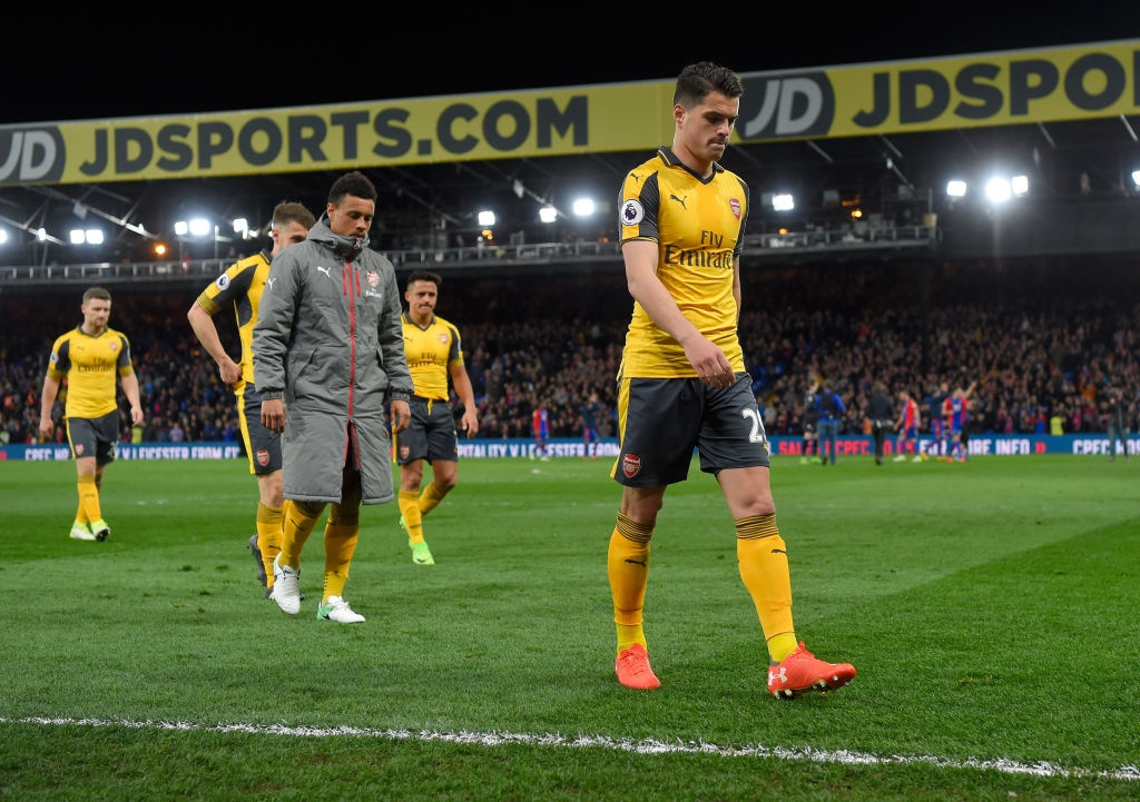 Arsenal thua Crystal Palace 0-3, hut hoi trong cuoc dua top 4 hinh anh 8