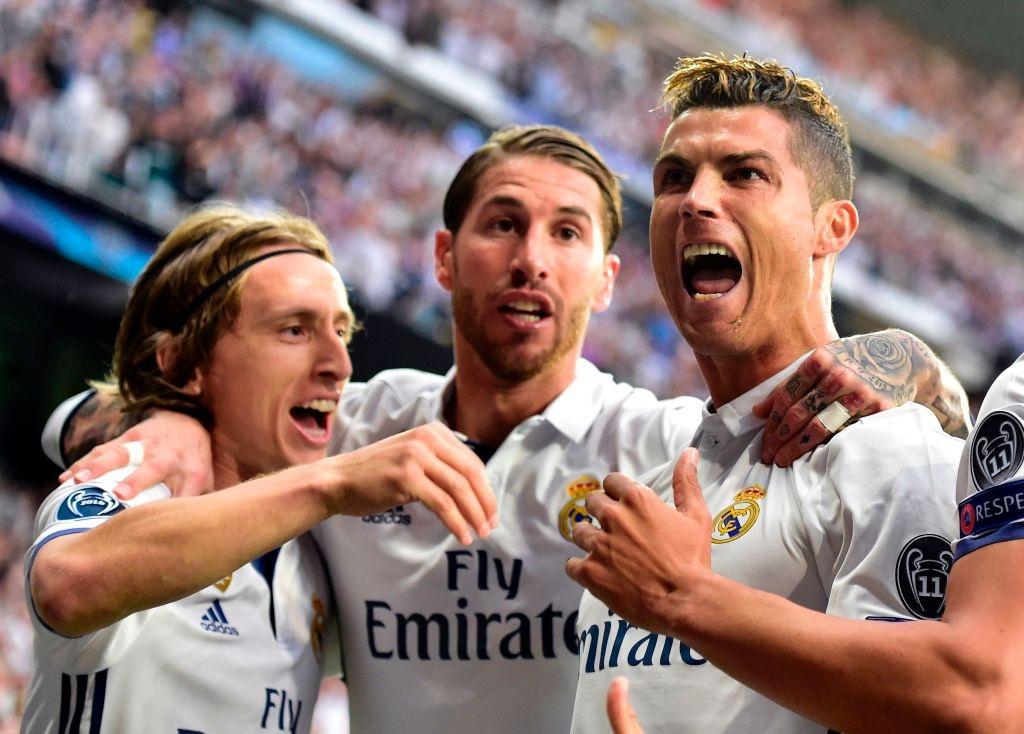 Ronaldo an mung nhu vi vua, noi co dong vien ngung la o hinh anh 8