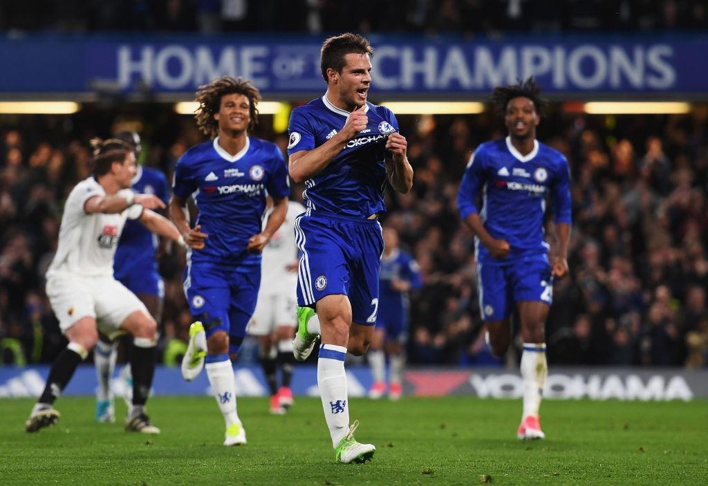 Chelsea thang mung danh hieu Premier League anh 4