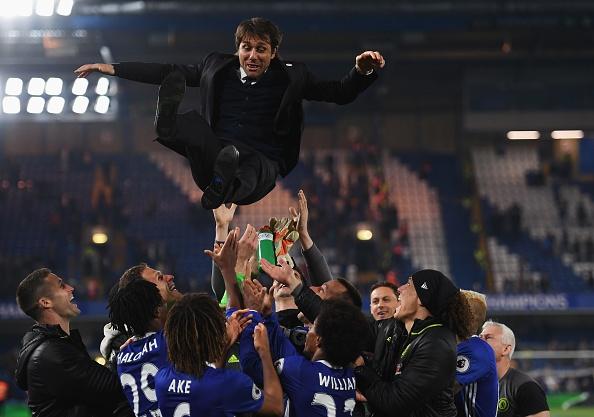 Chelsea thang mung danh hieu Premier League anh 9