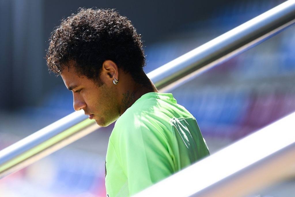 Messi va Neymar buon ba truoc chung ket cup nha vua hinh anh 5