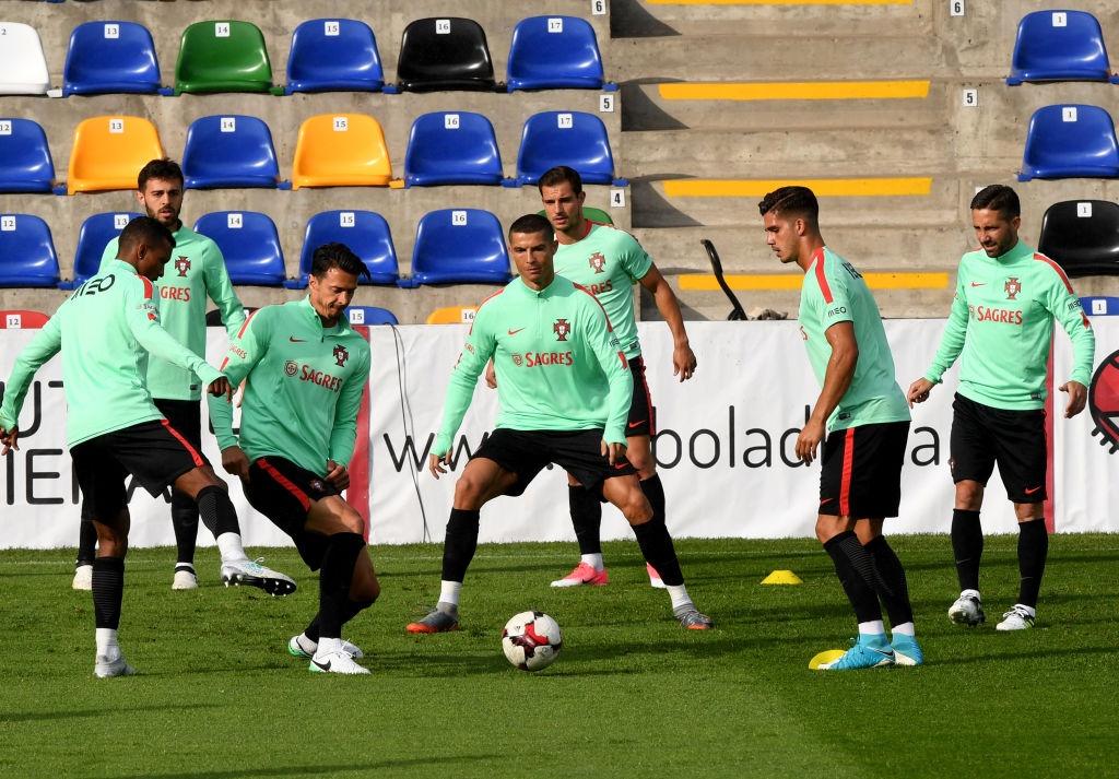 Ronaldo miet mai tap luyen truoc tran ra quan o Confeds Cup hinh anh 3