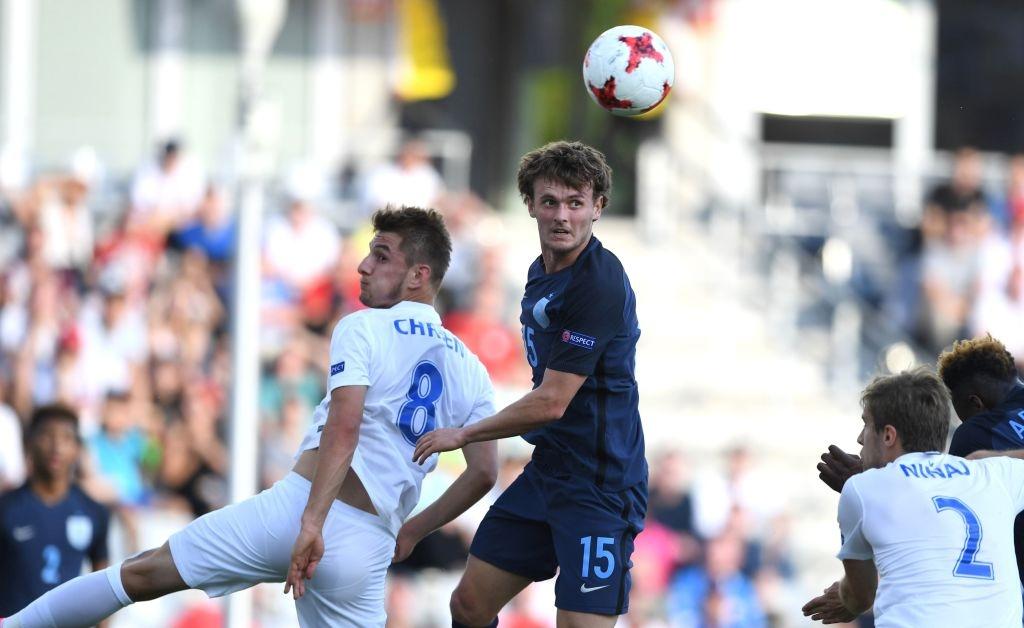 Tai nang tre Premier League giup U21 Anh len ngoi dau bang hinh anh 2
