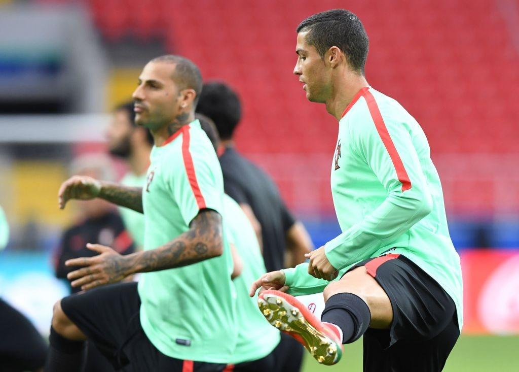 Ronaldo canh tranh danh hieu vua pha luoi Confeds Cup hinh anh 6
