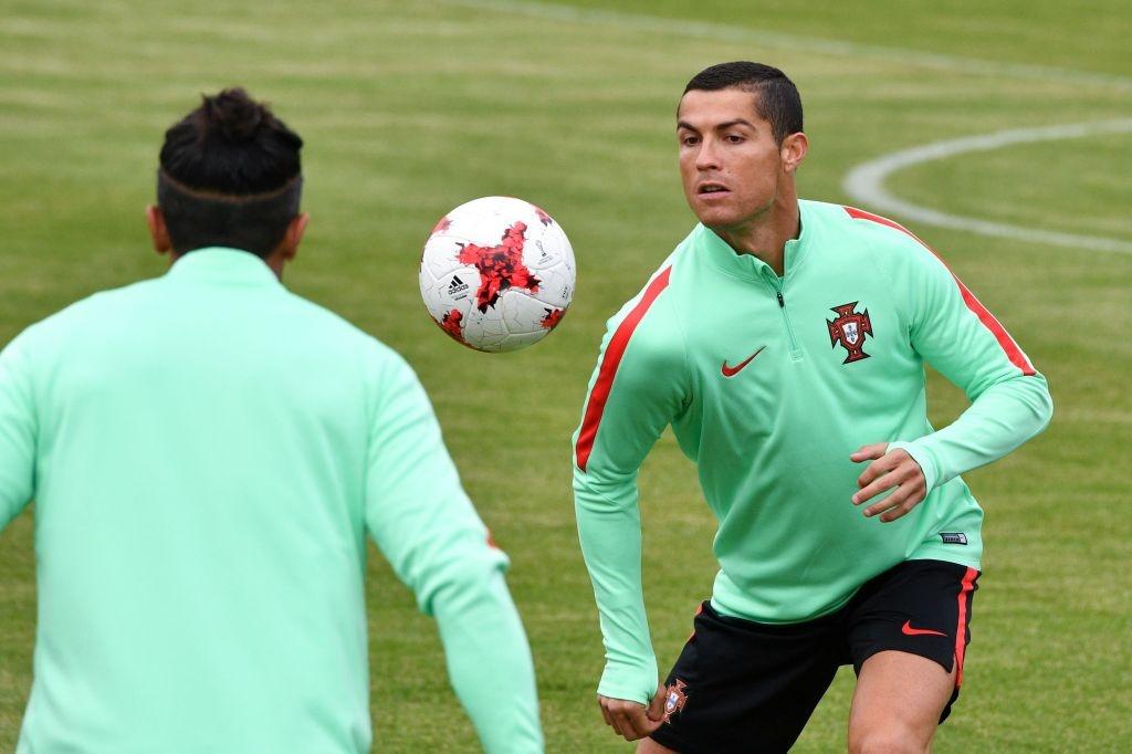 Ronaldo canh tranh danh hieu vua pha luoi Confeds Cup hinh anh 4