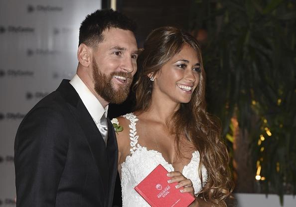 Lionel Messi tro lai Barca kiem tra the luc hinh anh 3