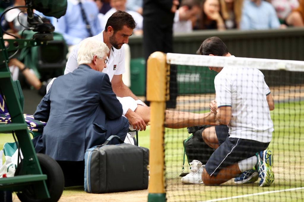Roger Federer roi le khi lap ky luc vo dich Wimbledon hinh anh 10