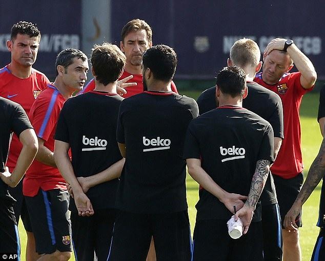 Messi tro lai tap luyen chuan bi cho tran doi no Juve hinh anh 10