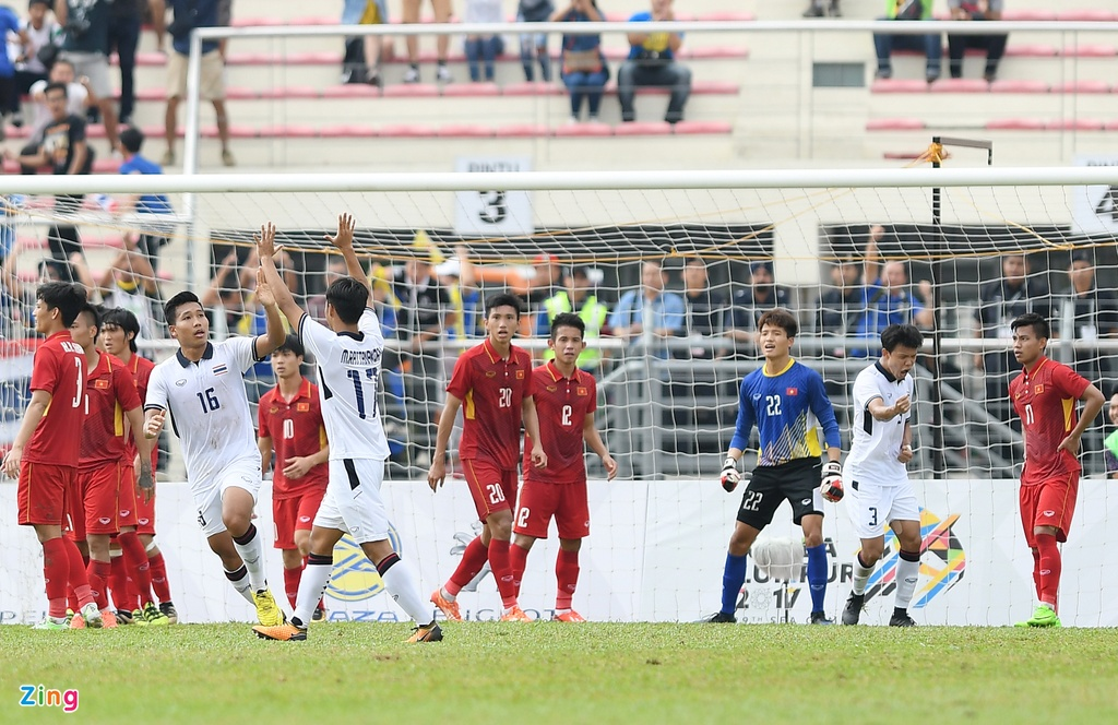 U22 VN that vong va nuoi tiec roi SEA Games 29 hinh anh 15