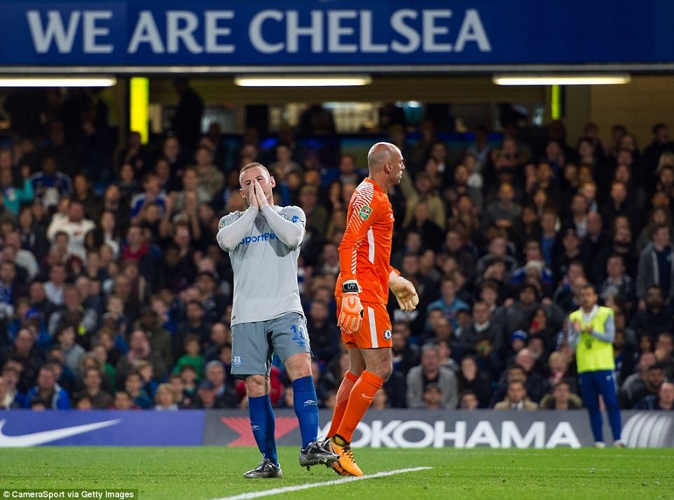 Rooney om mat tiec nuoi khi Everton thua Chelsea 1-2 o League Cup hinh anh 4