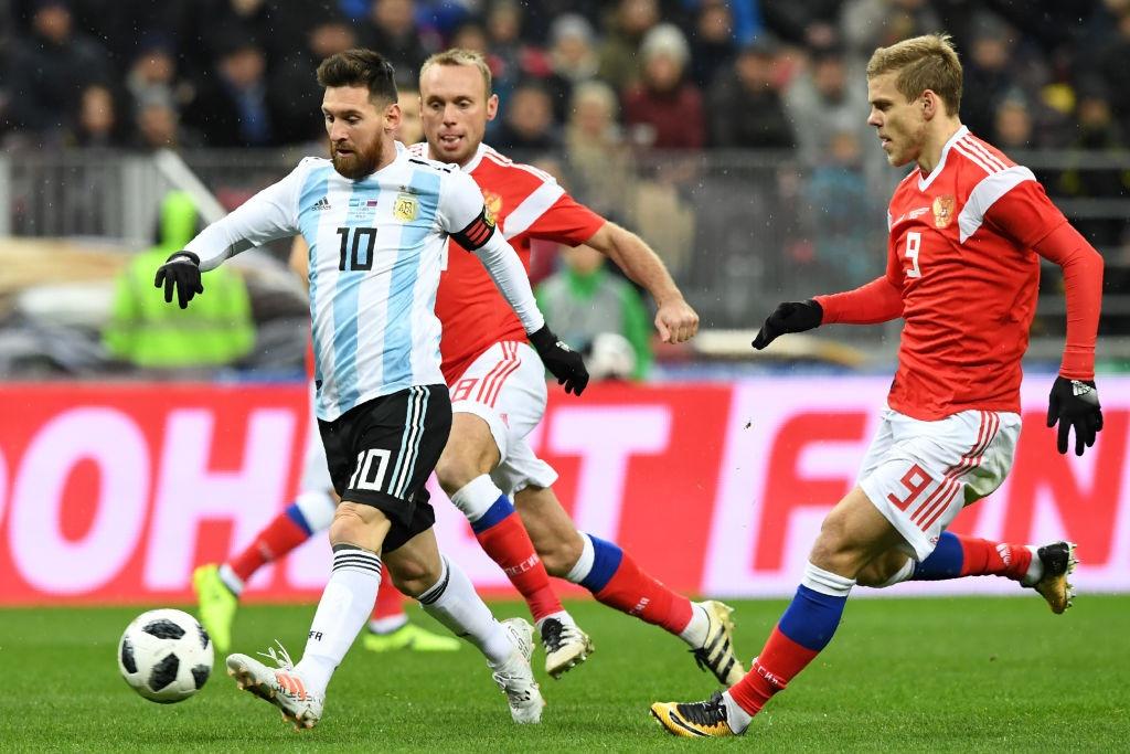 Messi bat luc, Argentina van thang chu nha World Cup 2018 hinh anh 6