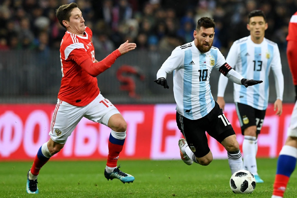 Messi bat luc, Argentina van thang chu nha World Cup 2018 hinh anh 7