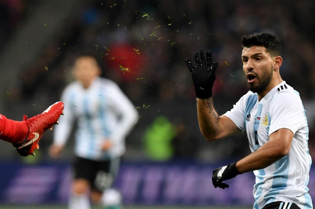 Messi bat luc, Argentina van thang chu nha World Cup 2018 hinh anh 3