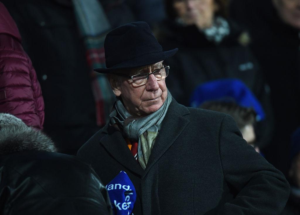 Nhung 'vua pha luoi' o derby Manchester hinh anh 8