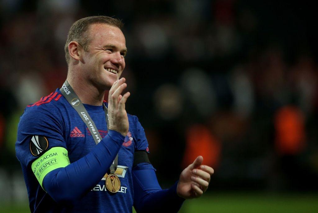 Nhung 'vua pha luoi' o derby Manchester hinh anh 1
