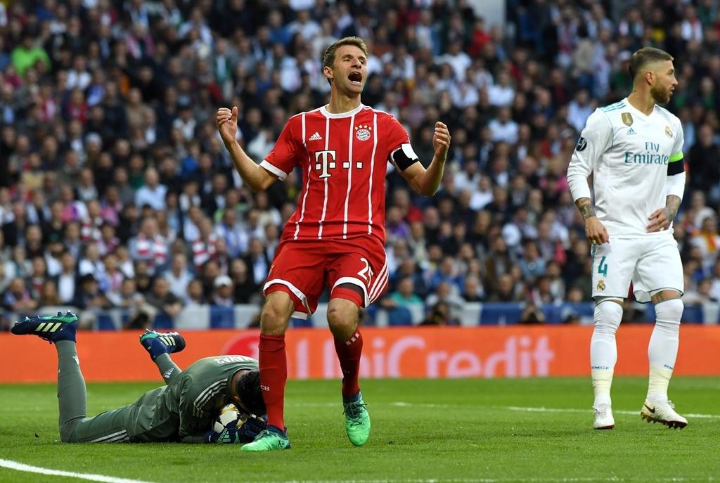Cau thu Bayern om dau that vong truoc Real Madrid hinh anh 5