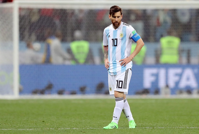 Hay cho Messi nhung cai om thay vi guom giao anh 2