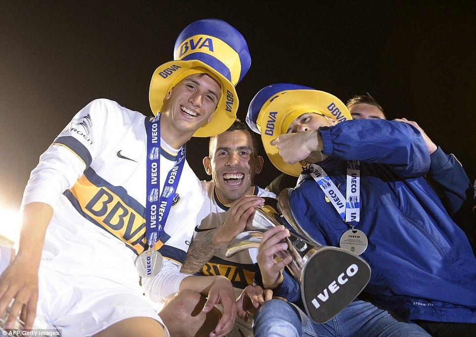Tevez gianh danh hieu dau tien khi tro lai Boca Juniors hinh anh 4