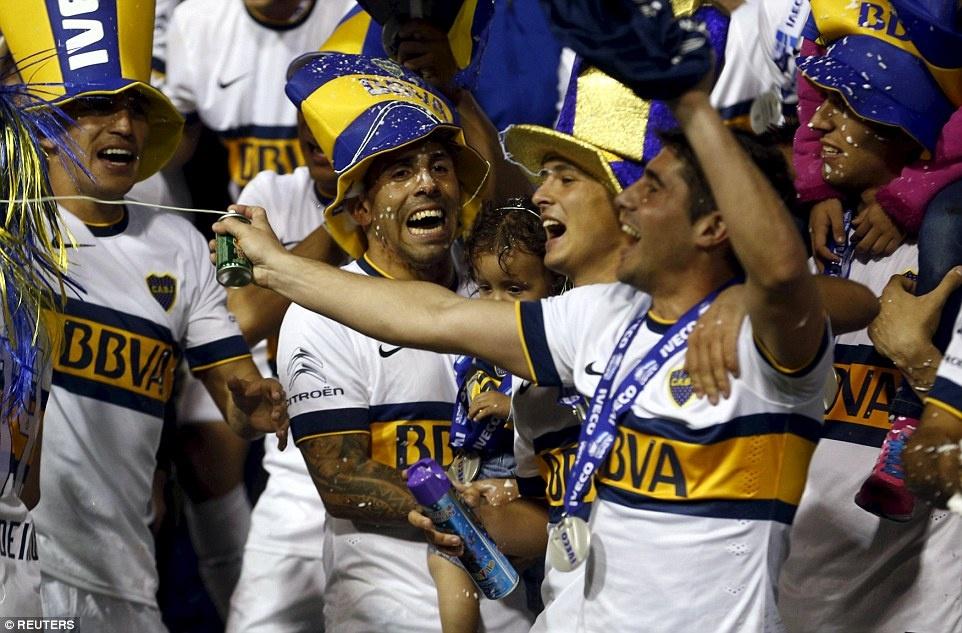 Tevez gianh danh hieu dau tien khi tro lai Boca Juniors hinh anh 9
