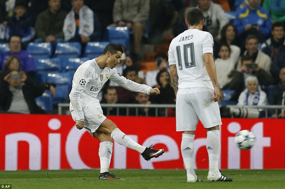 Ghi 4 ban trong 19 phut, Ronaldo giup Real dai thang 8-0 hinh anh 1