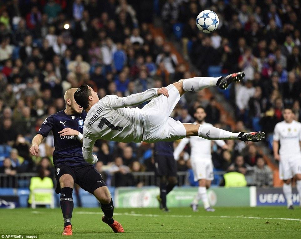 Ghi 4 ban trong 19 phut, Ronaldo giup Real dai thang 8-0 hinh anh 6