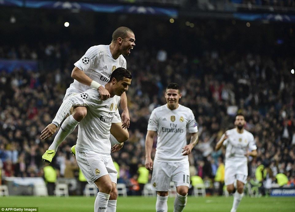 Ghi 4 ban trong 19 phut, Ronaldo giup Real dai thang 8-0 hinh anh 7