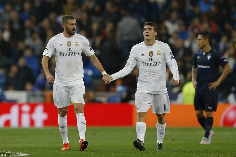Ghi 4 ban trong 19 phut, Ronaldo giup Real dai thang 8-0 hinh anh 11