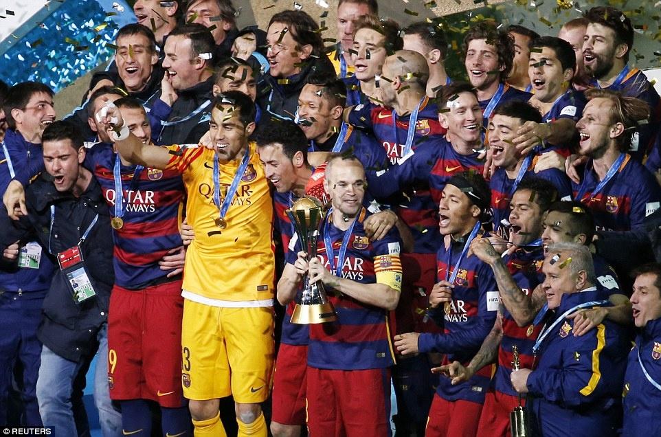 Barca khep lai nam 2015 bang danh hieu thu 5 hinh anh 1