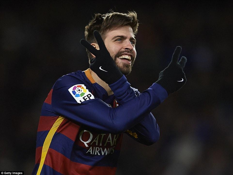 Messi chao don hai tan binh cua Barca bang cu dup hinh anh 8